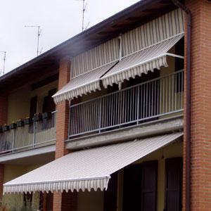 Tende Da Sole Reggio Emilia.Tende Da Sole Motorizzate Per Verande Bar Esterno Su Misura